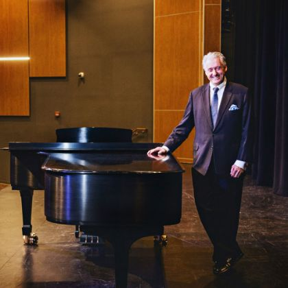 https://www.steinway.com/news/steinway-chronicle/k-12/a-patron-of-public-education-makes-collierville-a-steinway-select-school