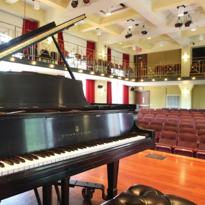 /magnoliaAuthor/steinway.com-americas/news/steinway-chronicle/winter-2020/perseverance-pays-with-a-prestigious-all-steinway-designation-for-davidson--